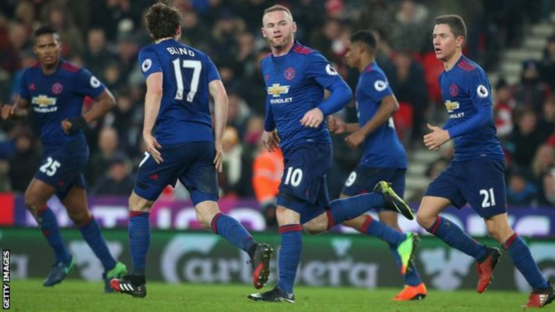 Manchester United and Everton discussing Romelu Lukaku and Wayne Rooney transfers